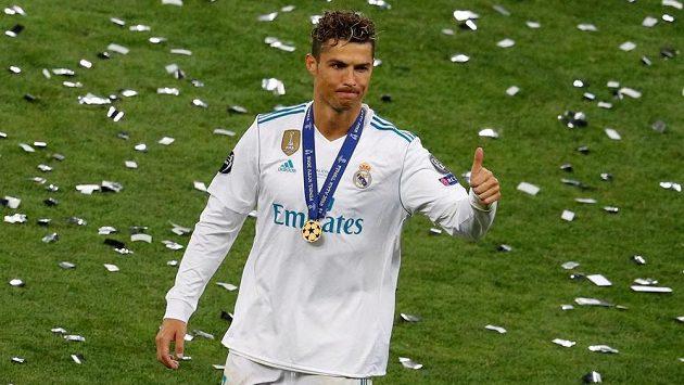 Legendární Cristiano Ronaldo slaví se spoluhráči z Realu Madrid triumf v Lize mistrů. Šlo o jeho poslední zápas s nimi?