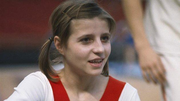 Bývalá sovětská sportovní gymnastka Olga Korbutová na archivním snímku z roku 1973.