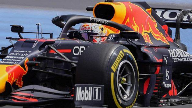 Nizozemský pilot Max Verstappen ze stáje Red Bull vyhrál sobotní kvalifikaci na Velkou cenu Francie.