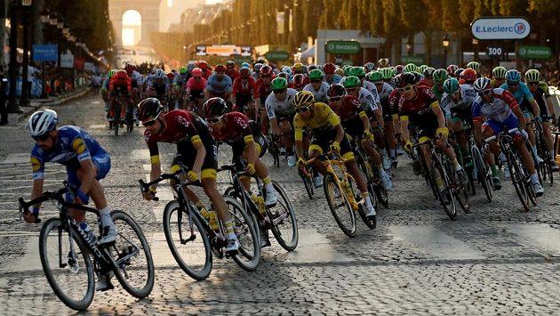 Jaký bude osud letošní Tour de France? (archivní foto)