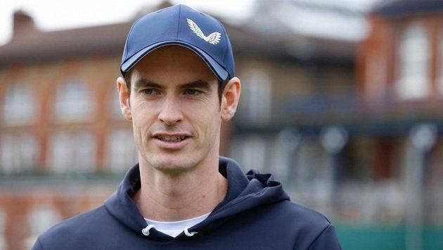Bývalá světová jednička Andy Murray se po lednové operaci kyčle vrátí k tenisu na turnaji v londýnském Queen's Clubu.