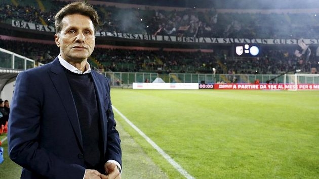 Trenér fotbalistů Palerma Walter Novellino.