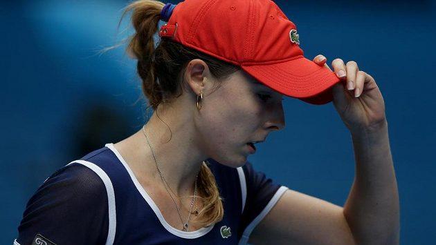 Francouzská tenistka Alizé Cornetová ukončila účinkování Barbory Záhlavové-Strýcové na turnaji v Paříži.