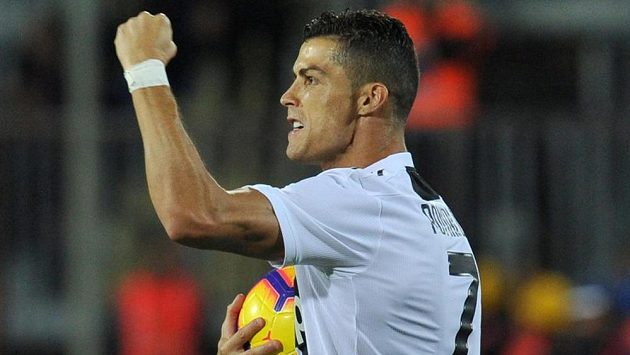 Cristiano Ronaldo se raduje z prvního gólu Juventusu v síti Empoli.