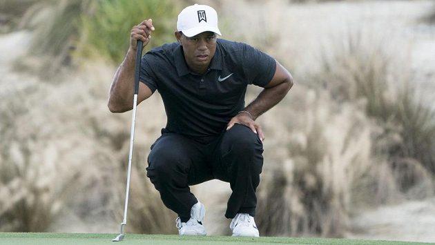 Tiger Woods na turnaji na Bahamách.