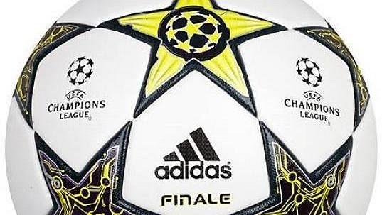 Oficiální míč pro finále Ligy mistrů ve Wembley.