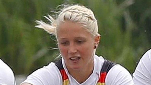 Nadja Drygallaová v německé osmiveslici na kanále v Eton Dorney.