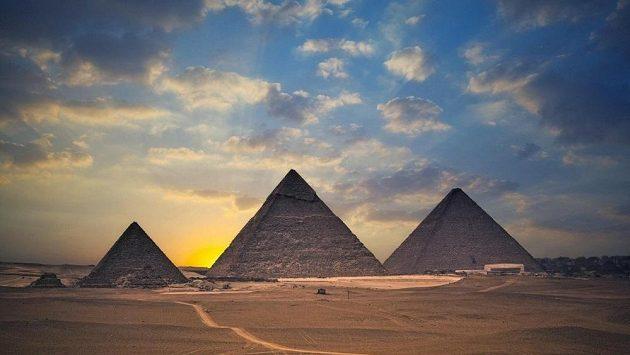 Stavba tréninkové pyramidy má svá striktní pravidla stejně jako stavba skutečné pyramidy.