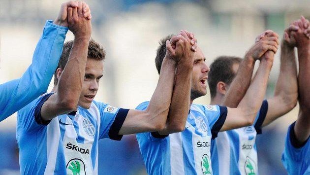 Autor jediné branky utkání s Teplicemi, boleslavský Tomáš Fabián (vlevo), po skončení zápasu.