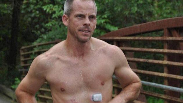 Ross Baker byl diagnostikován s diabetem 1. typu, přesto běhá maratóny.