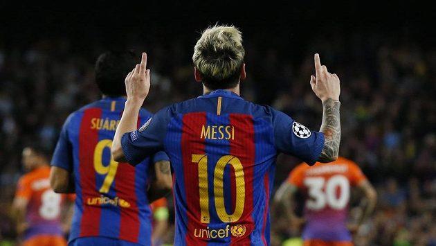 Hvězdný Lionel Messi se raduje z třetího gólu proti Manchesteru City.