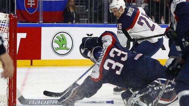 Závar před slovenskou brankou v utkání s USA.