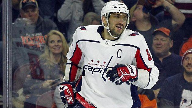 Ruský kapitán hokejistů Washingtonu Alexandr Ovečkin byl hvězdou utkání NHL proti Philadelphii.