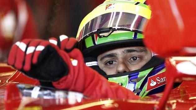 Brazilský pilot Felipe Massa ze stáje Ferrari během tréninku na Velkou cenu Kanady