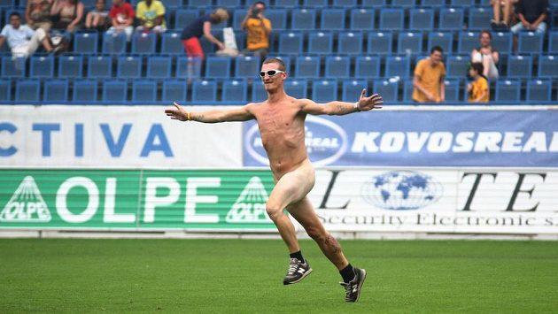 Naháč přerušil přípravné utkání v Teplicích, klub za to zaplatí pokutu.