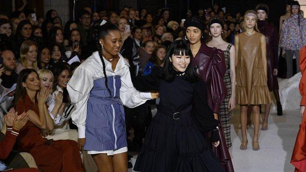 Naomi Ósakaová během módní přehlídky.