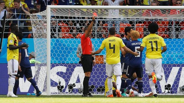 Carlos Sanchez z Kolumbie byl jako první hráč na letošním světovám šampionátu vyloučen.