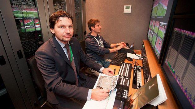 Roman Hrubeš jako první videorozhodčí usedl do přenosového vozu společnosti O2.