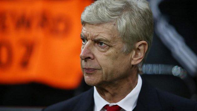Kouč fotbalistů Arsenalu Arsene Wenger by rád zůstal na Emirates stadiom i v příštích sezónách.