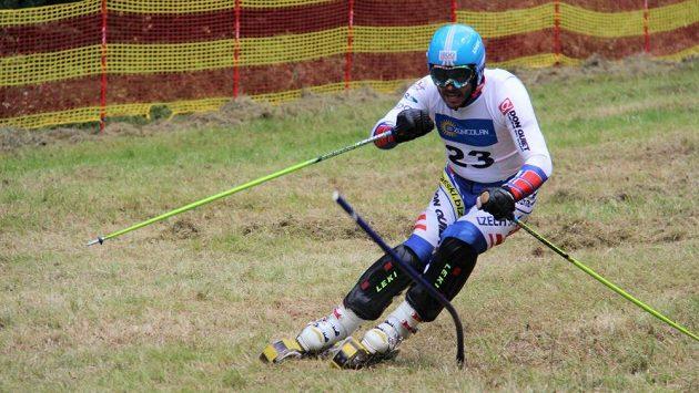 Travní lyžař Jan Němec při Světovém poháru v italském Ravasclettu.