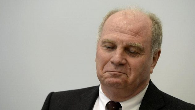 Prezident Bayernu Uli Hoeness před soudem.