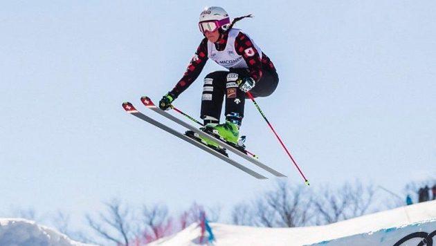 Úřadující olympijská vítězka ve skikrosu Marielle Thompsonová utrpěla v přípravě na další olympijskou sezonu vážné zranění kolena.