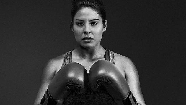 Marlen Esparzaová, americká boxerka, která miluje běhání.