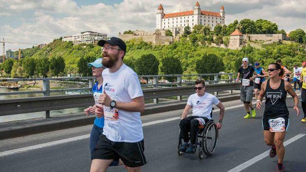 Lukáš Šembera bojuje na trati Wings for Life. V Bratislavě ujel na vozíku 18 kilometrů.