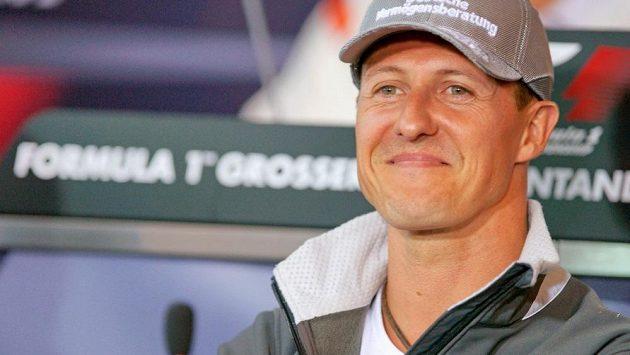 Zdravotní stav Michaela Schumachera vykazuje po třech měsících pokroky.