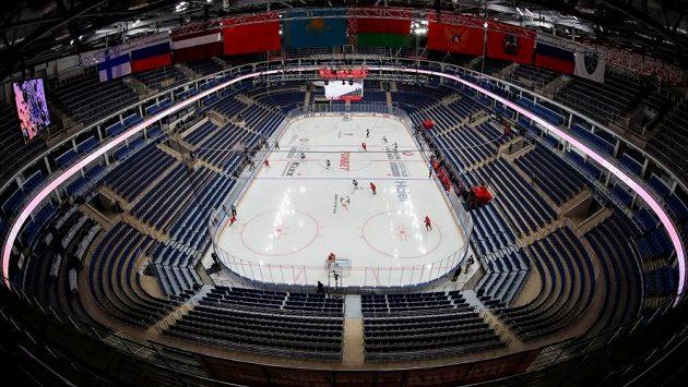 Čtvrteční šesté utkání osmifinálové série play off KHL mezi moskevskými kluby Spartakem a Dynamem se odehrála bez diváků.