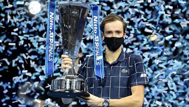 Medveděv ovládl Turnaj mistrů