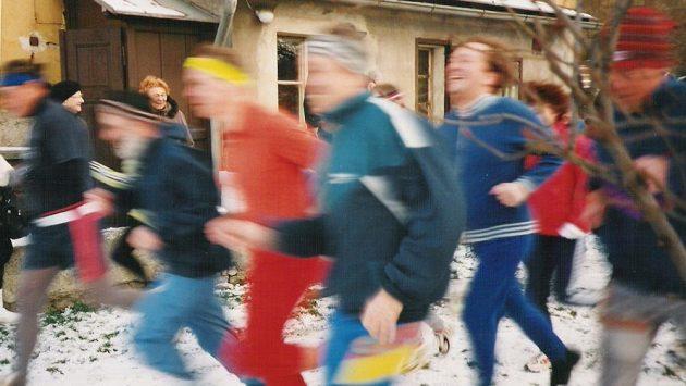 Na fotografii je vidět, že jsou pacienti rychlými a usměvavými běžci.