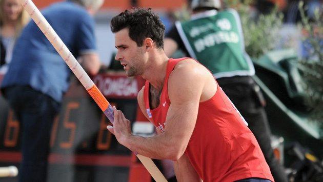 Tyčkař Jan Kudlička v kvalifikaci mistrovství Evropy v Amsterdamu.