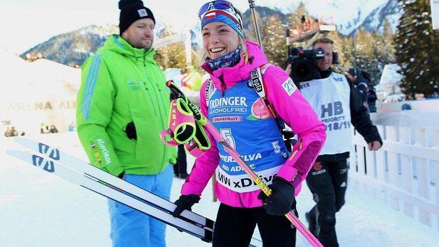 Šťastná česká biatlonistka Markéta Davidová.