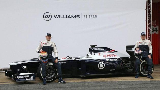 Pastor Maldonado a Valtteri Bottas pózují s novým monopostem Williams.