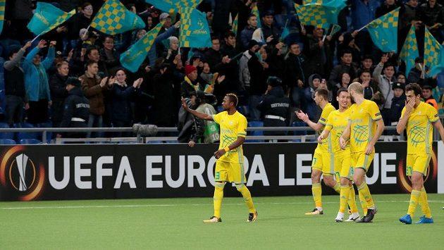 Fotbalisté Astany slaví vítězství v Evropské lize nad Maccabi Tel Aviv.