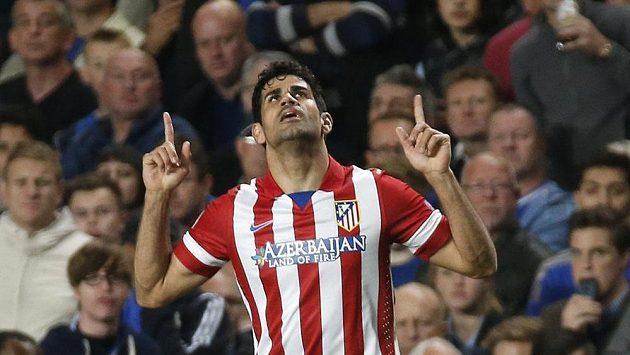 Útočník Atlétika Diego Costa bude od příští sezóny oblékat dres Chelsea.