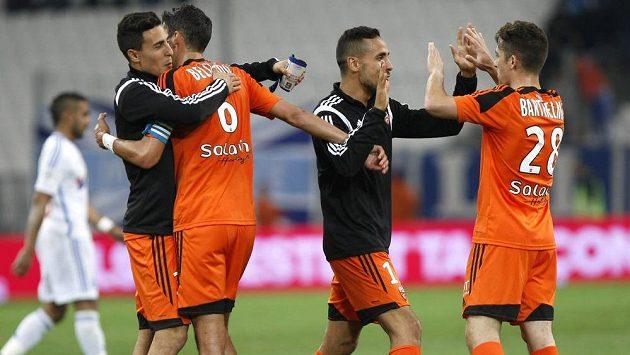 Fotbalisté Lorientu slaví vítězství nad Marseille.