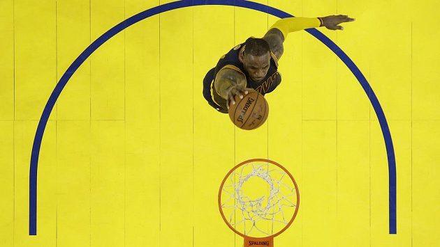 Basketbalista Clevelandu Cavaliers forward LeBron James ještě neví, jestli bude chtít hrát na olympiádě.