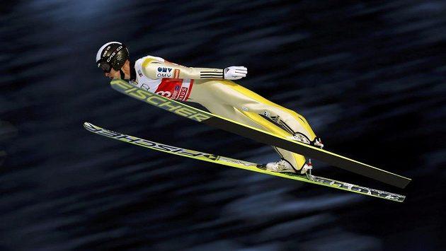 Roman Koudelka při zkušebním skoku před kvalifikací v Oberstdorfu, kterou nakonec vynechal.