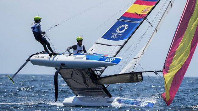 Olympijští jachtaři ze Španělska Tara Pacheco a Florian Trittel
