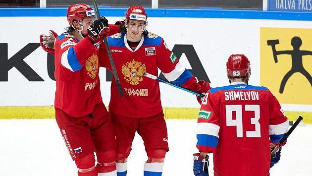 Ruští hokejisté porazili na Švédských hrách domácí reprezentaci 2:1 po samostatných nájezdech a vyhráli i osmý zápas Euro Hockey Tour v sezoně.