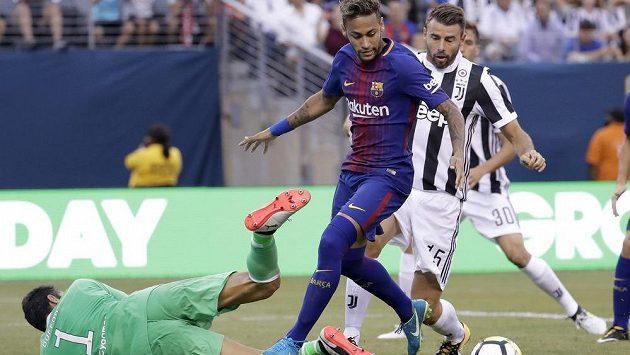 Neymar už si kriminálu bát nemusí.