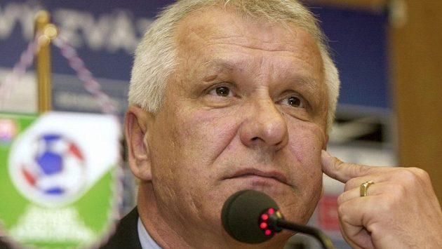 Dušan Galis na tiskové konferenci.