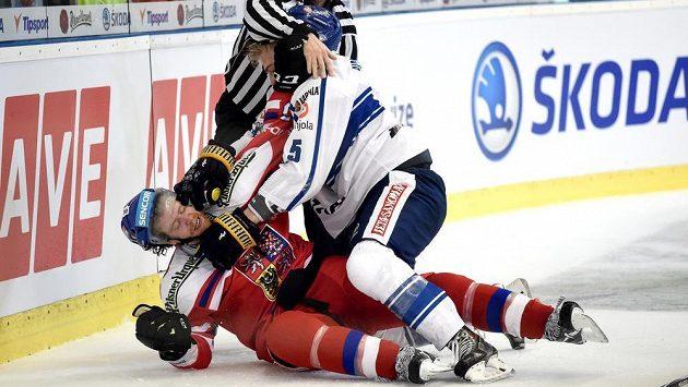 Finský reprezentant Rasmus Ristolainen mění v NHL dres. bude hrát za Philadelphii.