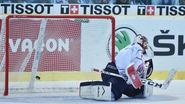 Jediný gól utkání inkasuje brankář Vítkovic Daniel Dolejš.