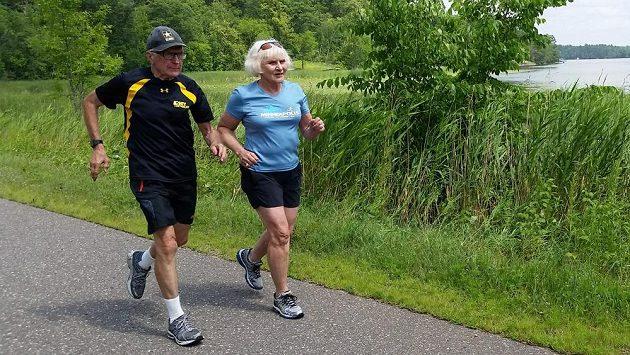 Manželé Robert a DeEtte Andersenovi jsou spolu už 58 let! A také už desítky let běhají.