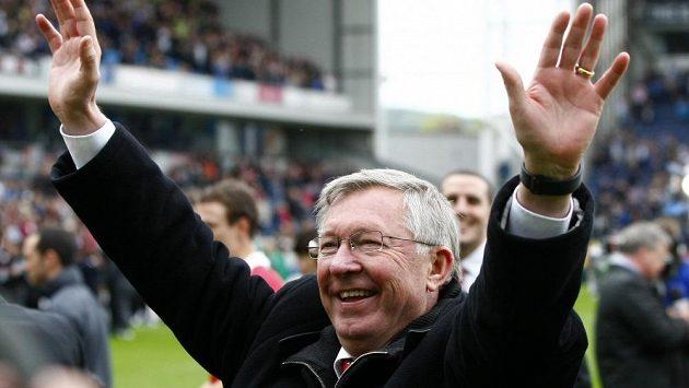 Manažer Sir Alex Ferguson po sezóně skončí na lavičce Manchesteru United.