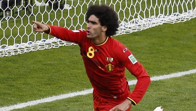 Střídající Marouane Fellaini zajistil Belgii vyrovnávací gól na 1:1 proti Alžírsku.