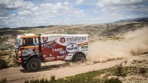 Aleš Loprais s vozem MAN na trati Rallye Dakar.